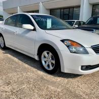 2009 NISSAN ALTIMA !